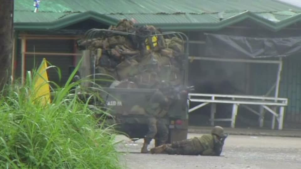 Troops push to secure besieged Philippines city