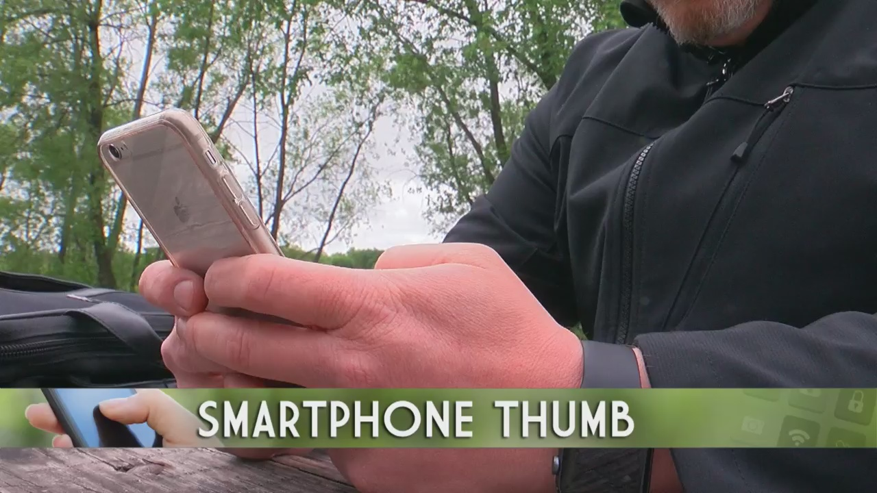 More Suffering From 'Smartphone Thumb'