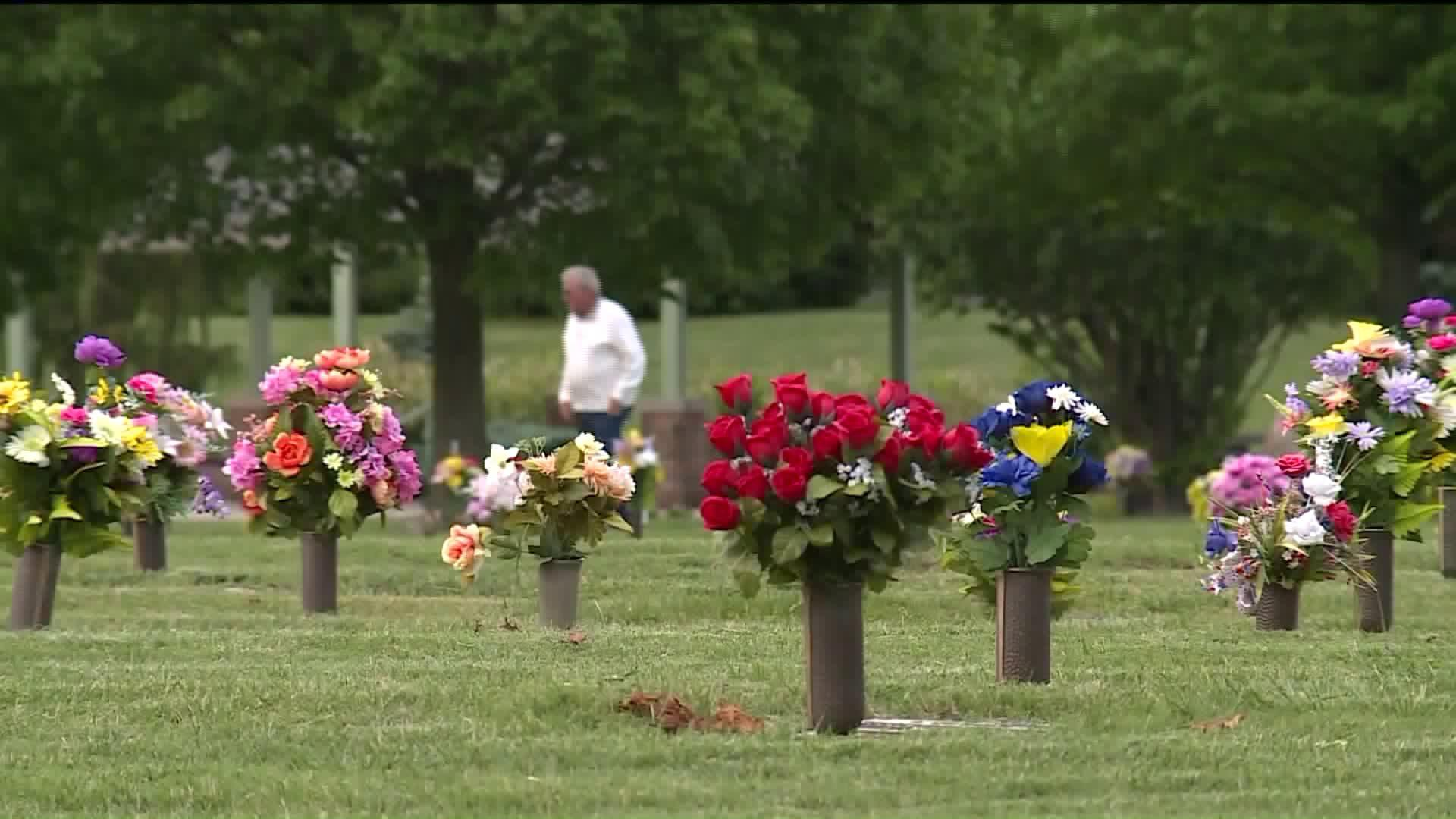 Thieves Are Preying on Grieving Families Who Leave Home to Bury Loved Ones, Police Say