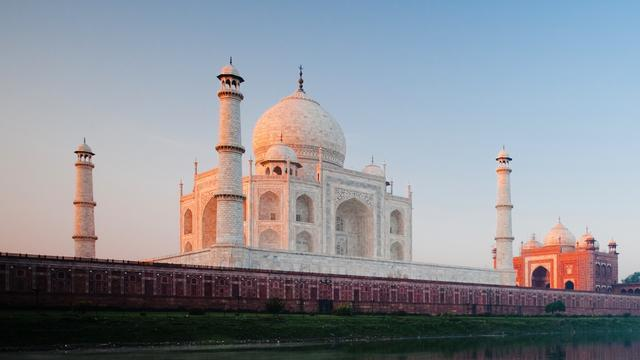 5 Facts You May Not Know About The Mesmerizing Taj Mahal