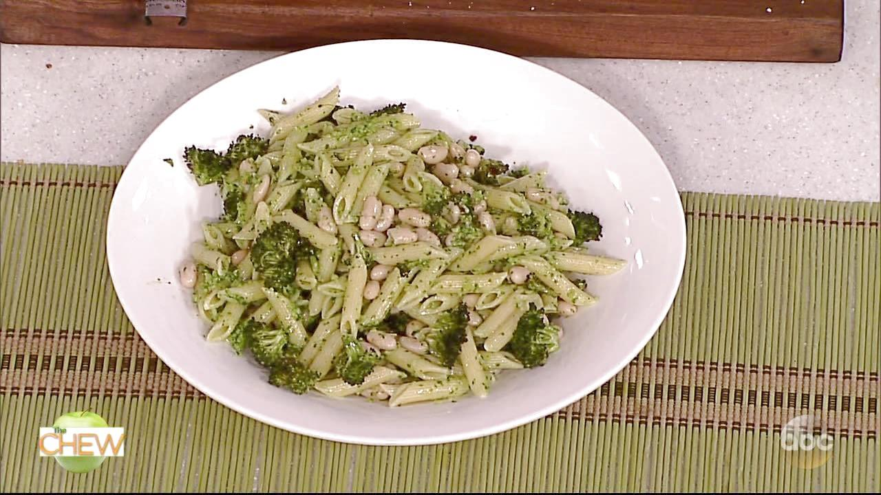 How to Make Broccoli Pesto Pasta