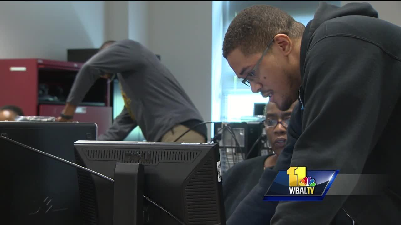 Video: Teachers become students in STEM training