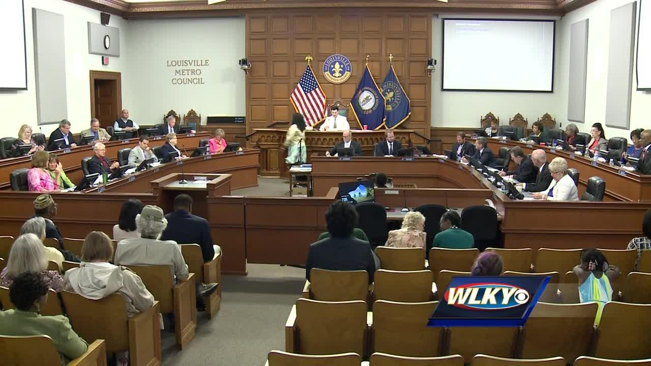 Louisville Metro Council approves budget
