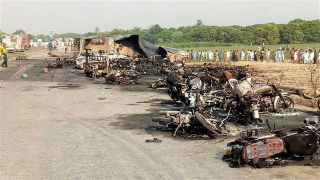 Hundreds Dead or Injured in Pakistan Tanker Explosion