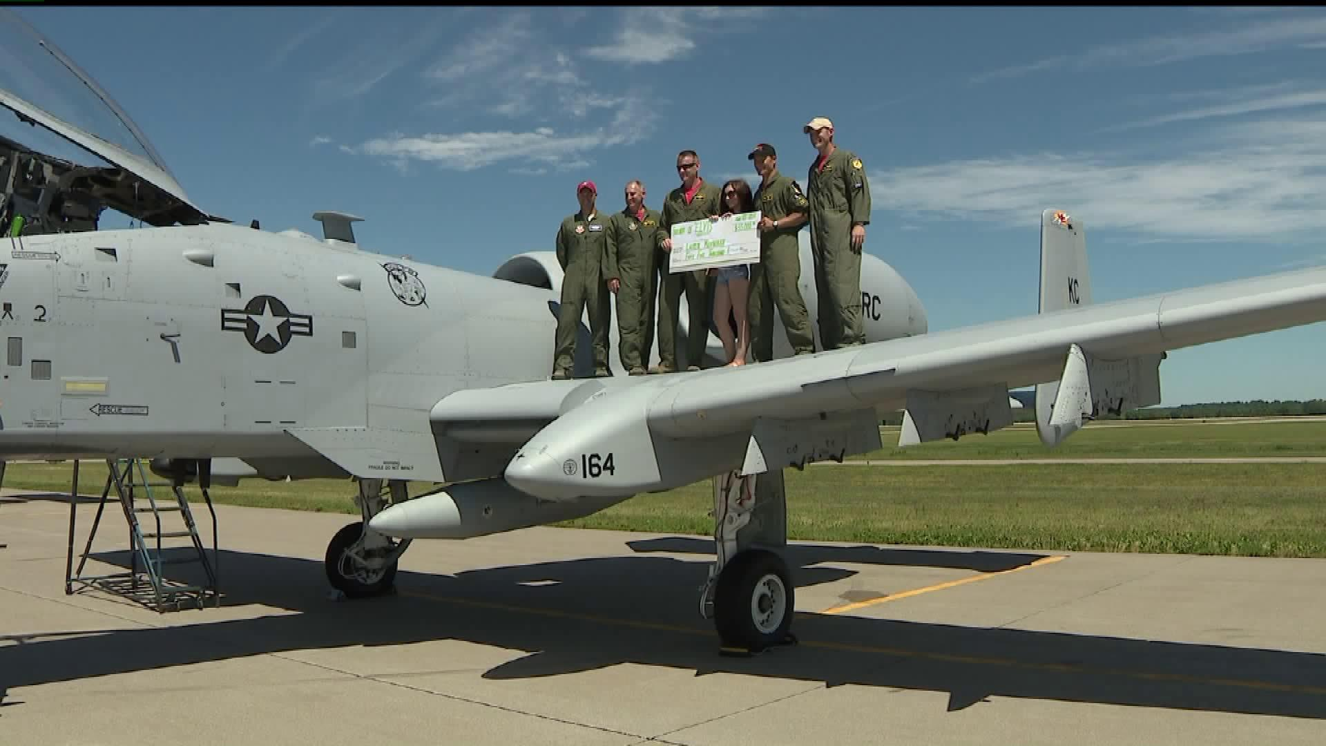 Illinois Man Fulfills Promise to Fallen Air Force Pilot, Pays For His Daughter`s Tuition