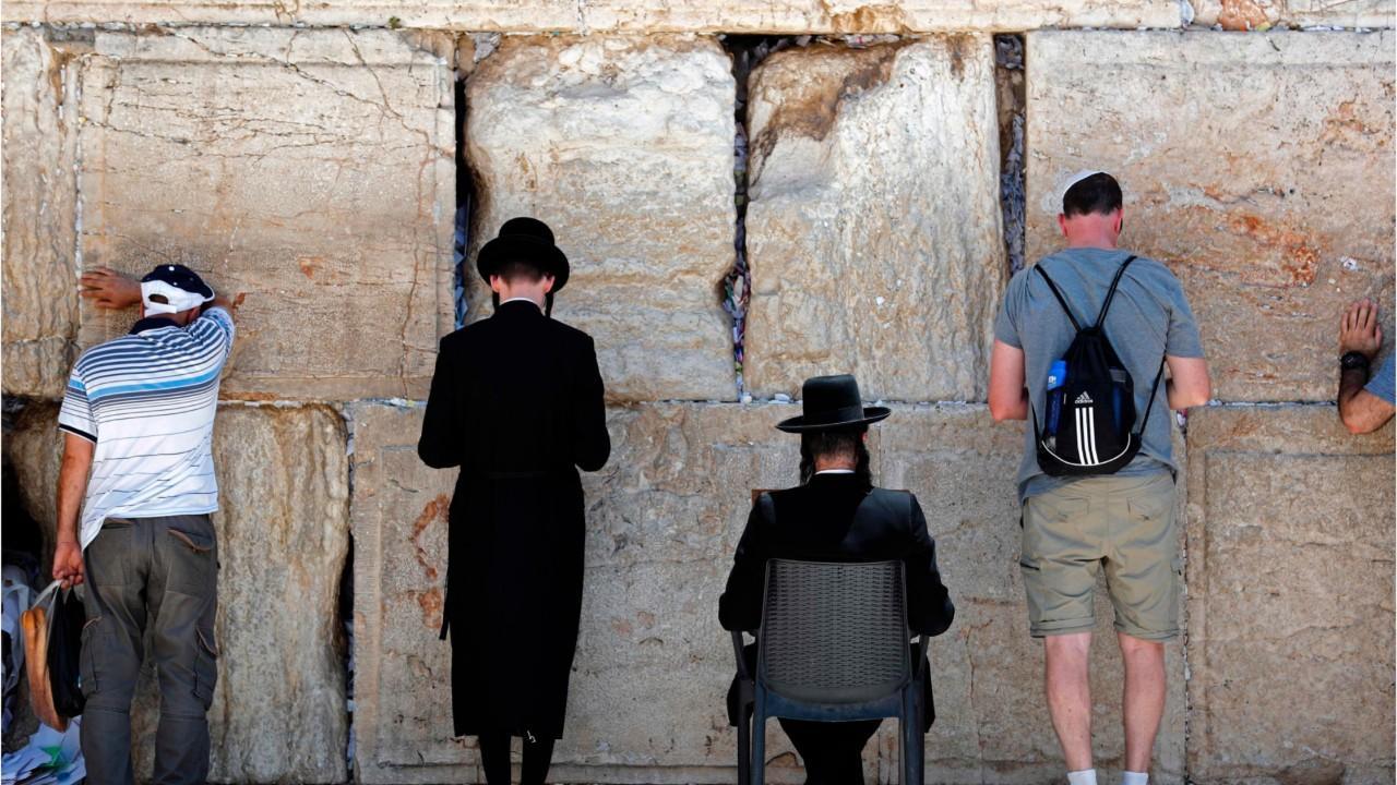 Jews Angry As Israel Scraps Mixed Prayer Plan At Wall