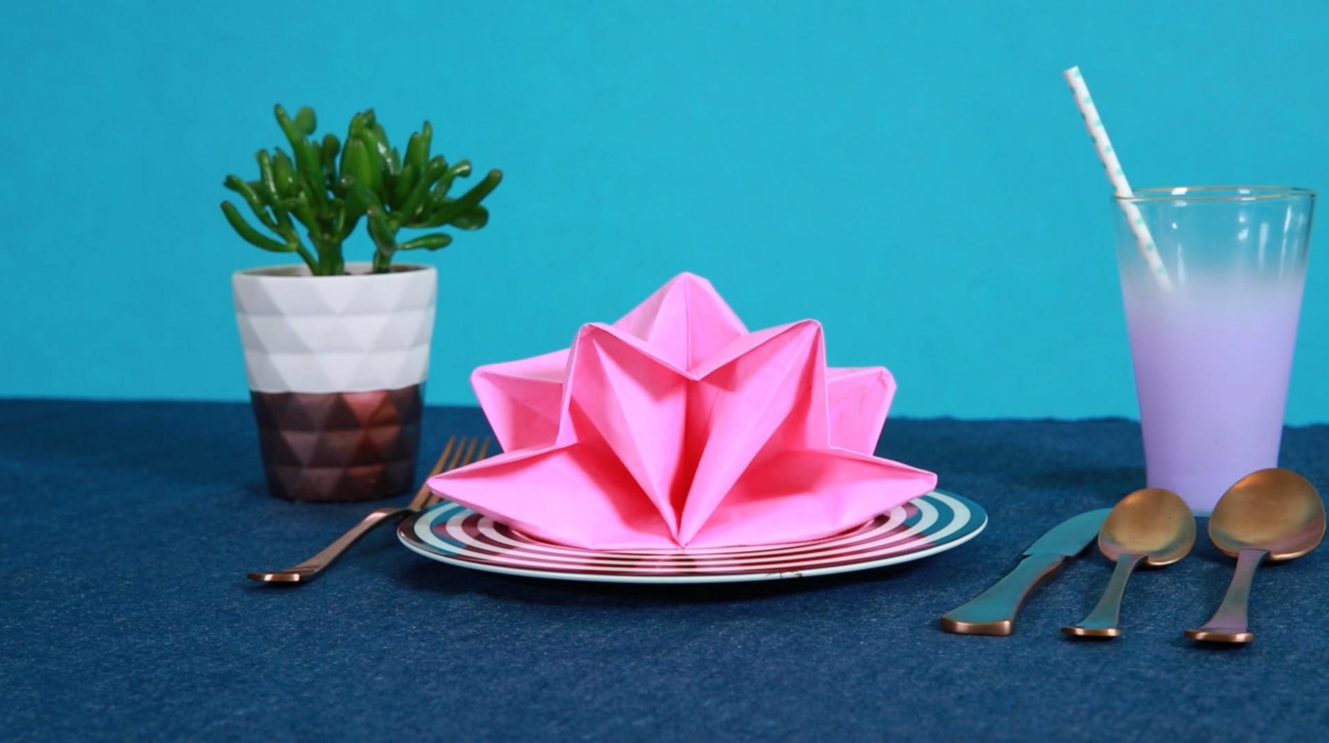 3 Easy Napkin Folds for the Fanciest Table Ever