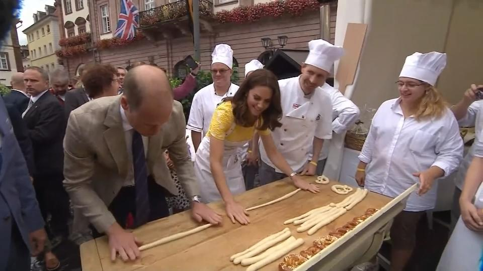 Prince William and wife Catherine make German 'pretzels'