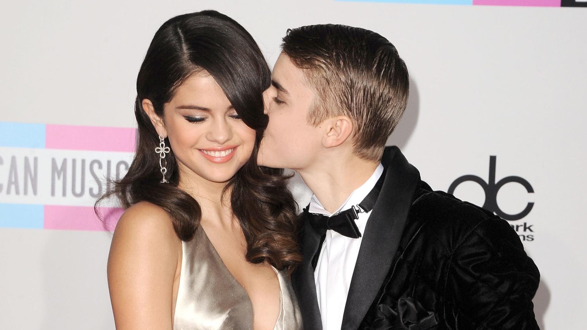 Precious Throwback Moments of Justin Bieber & Selena Gomez