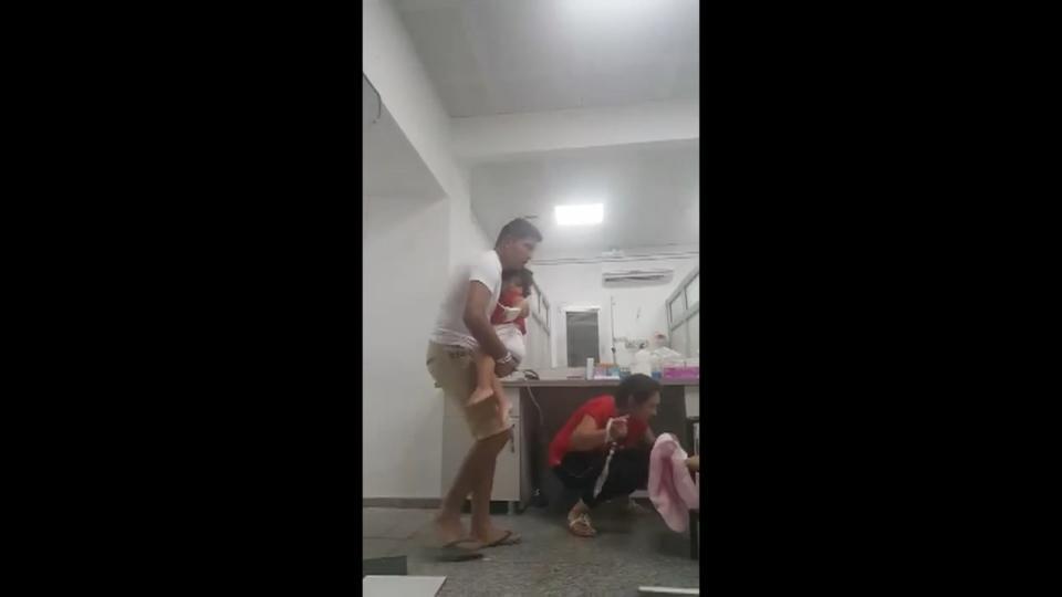 People flee in panic as earthquake shakes Bodrum - eyewitness video