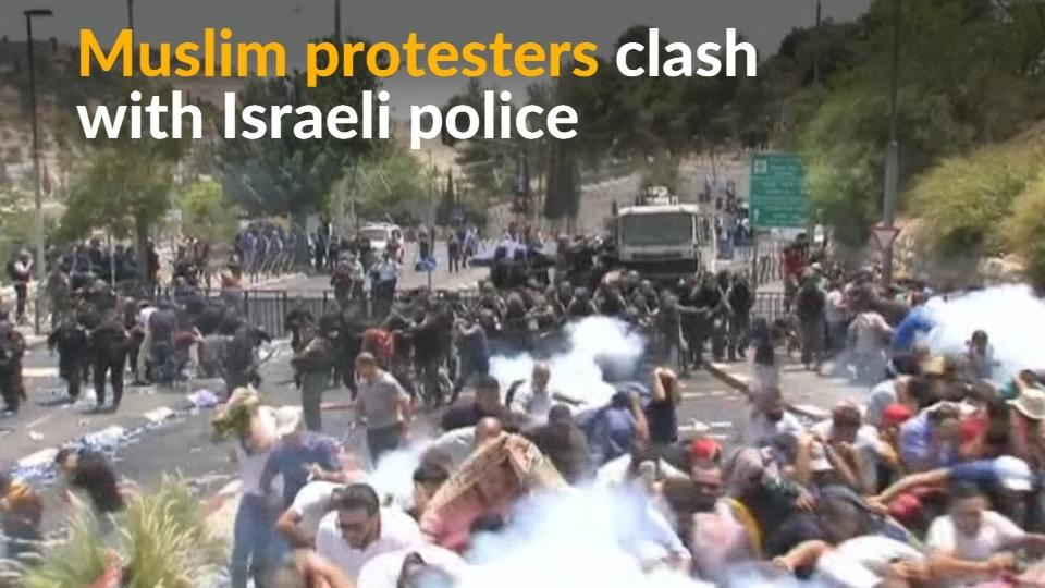 Muslims clash with Israeli police in Jerusalem over metal detectors