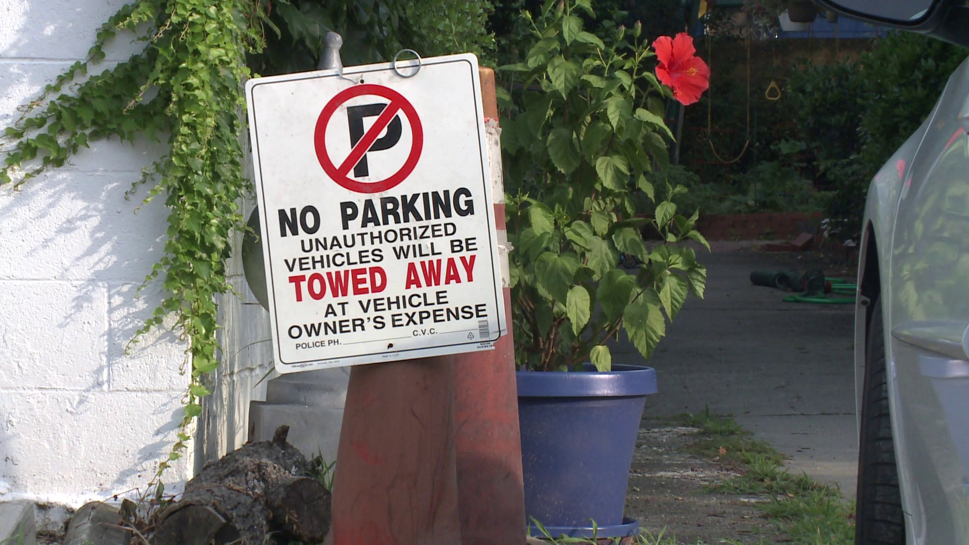 Beachgoers Say Homeowners Are Putting Up Illegal Parking Signs to Keep Them Away