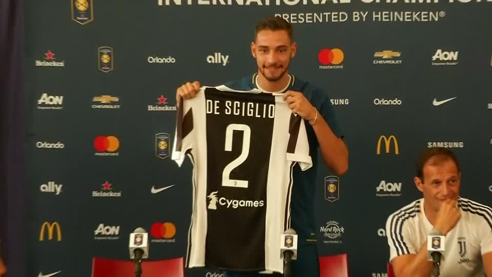 New Juventus signing Mattia De Sciglio joins team for Barcelona friendly