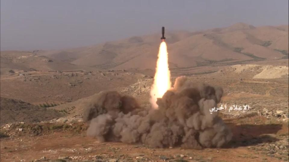Hezbollah targets Nusra positions on Lebanon-Syria border - video