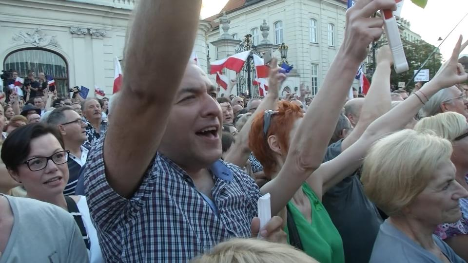 After days of protest, Poland's president vetoes judiciary reform