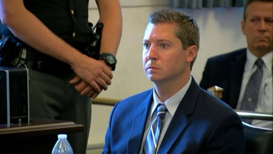 Judge formally drops charges against Ray Tensing