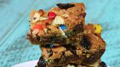 How to Make Junk Food Cookie Bars