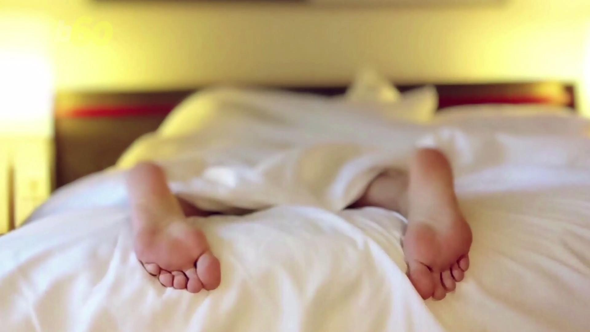 Why Sleeping Naked is Good For Your Health
