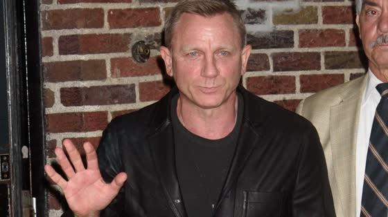 Daniel Craig Makes Return to James Bond 00-fficial