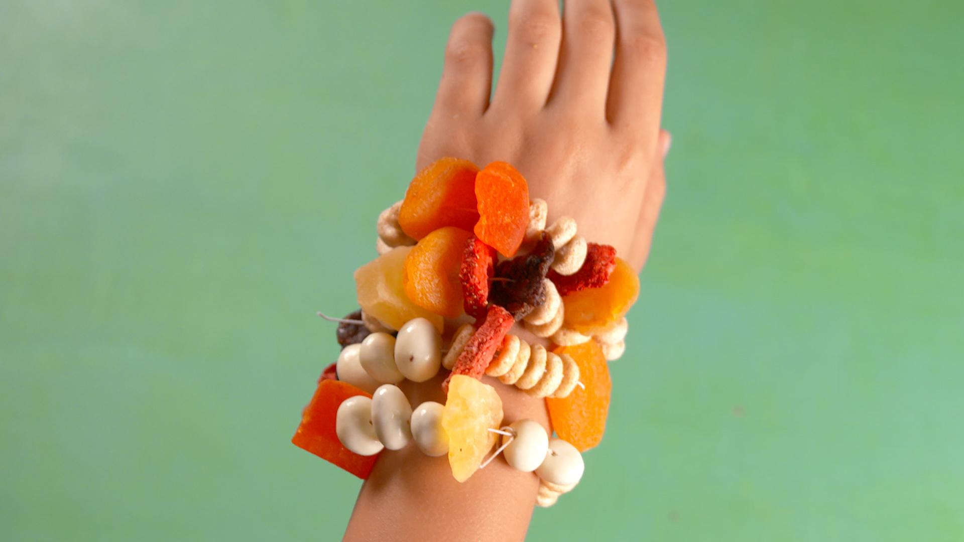 These Snack Bracelets Are The Healthiest Way To Occupy Your Kids