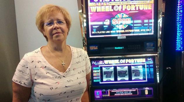 Woman wins $1.6 million on slot machine at McCarran Airport