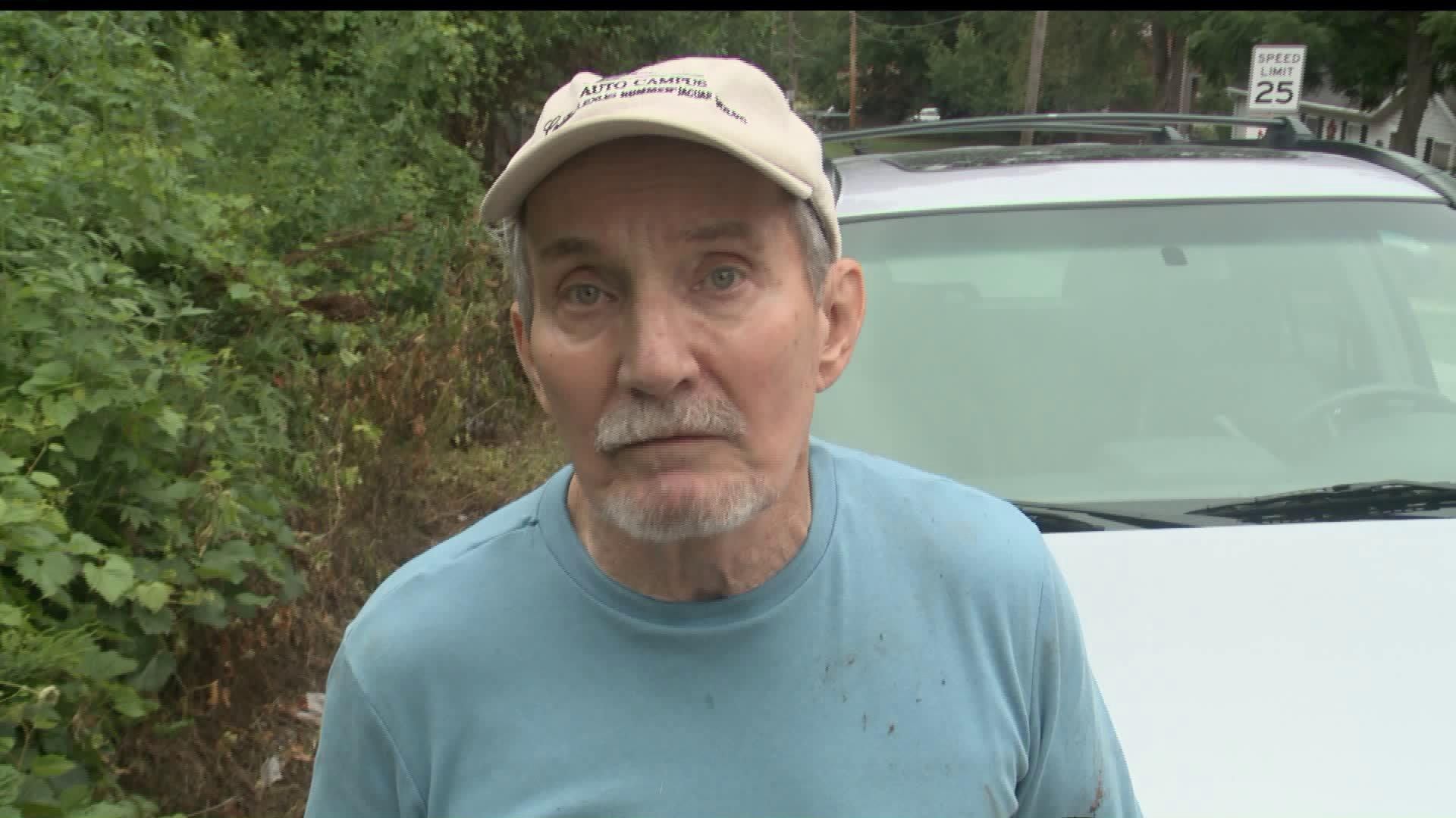 Man Injured While Trying to Save His Dog from Another Dog`s Attack