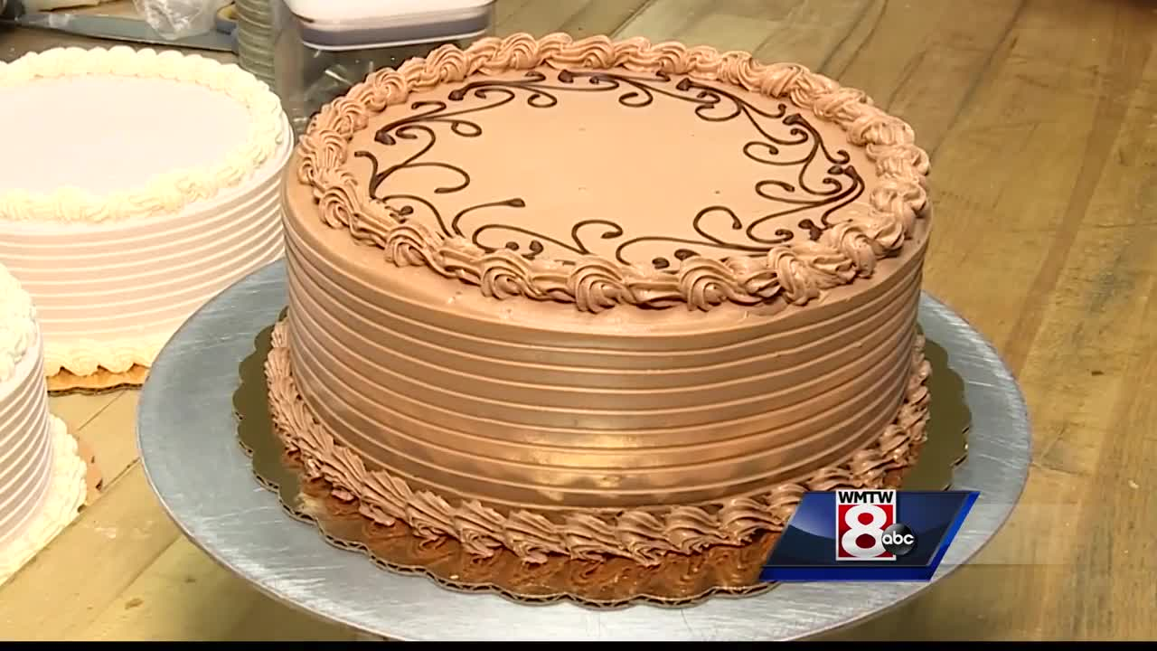 Learn how to make Foley's Gourmet Bakery's Swiss buttercream icing