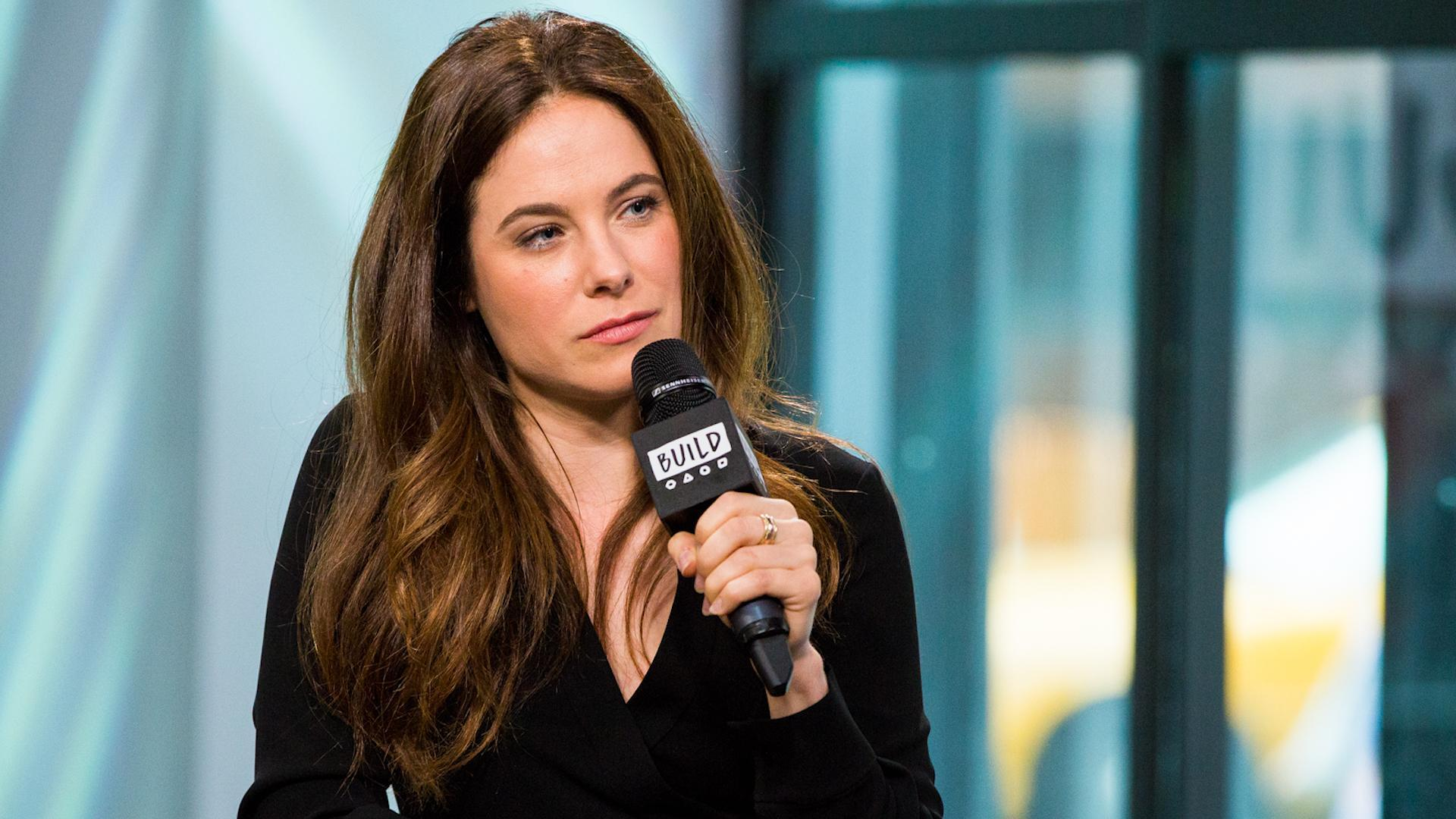 Caroline Dhavernas On What Attracted Her To Her Role In \