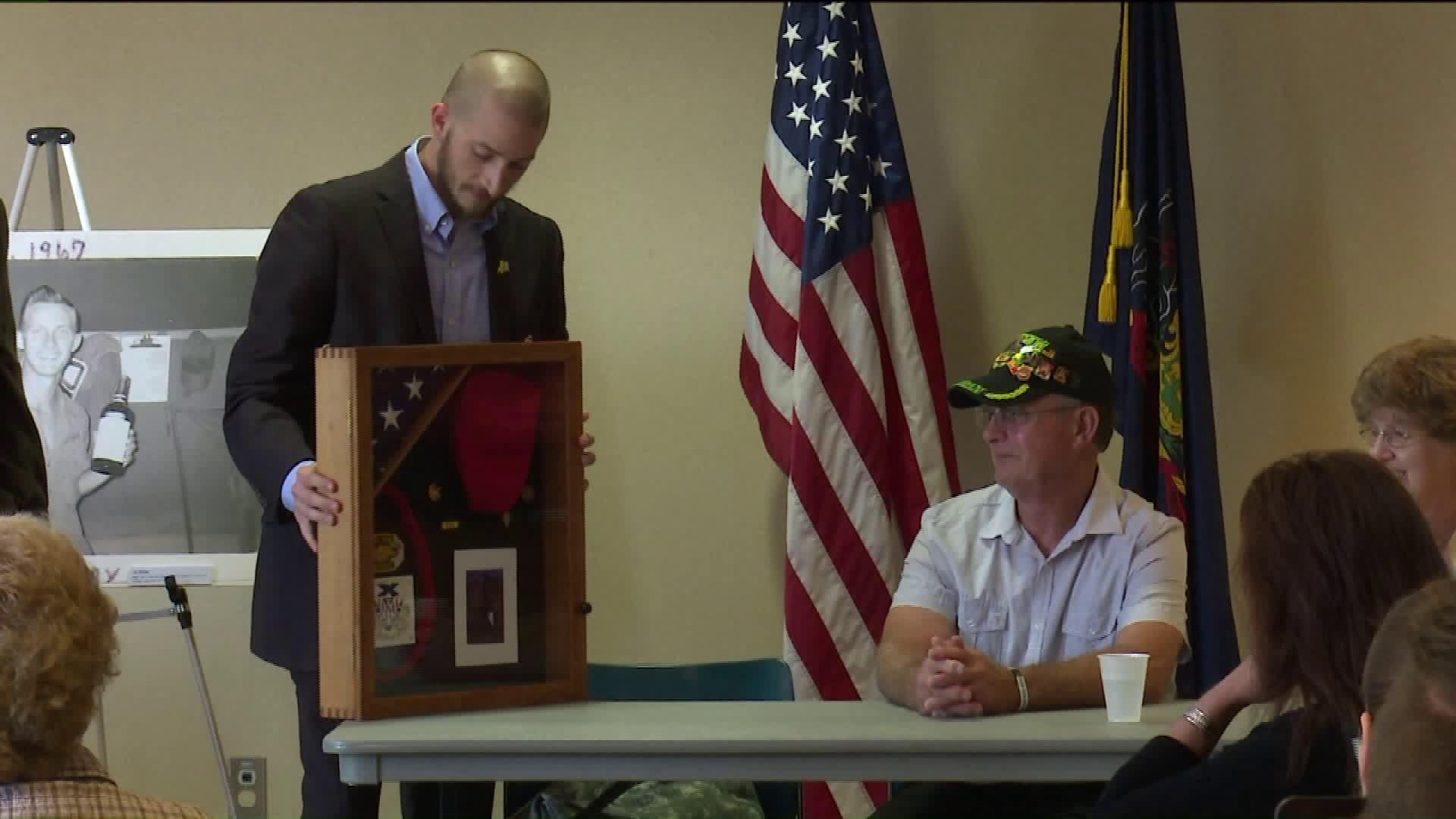 Vietnam Veteran Gives Back to University by Helping with Photography Project