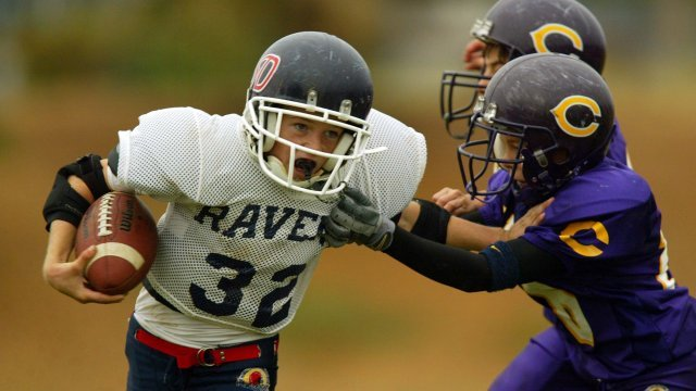 Study: Youth Football Players at Risk of Cognitive Issues