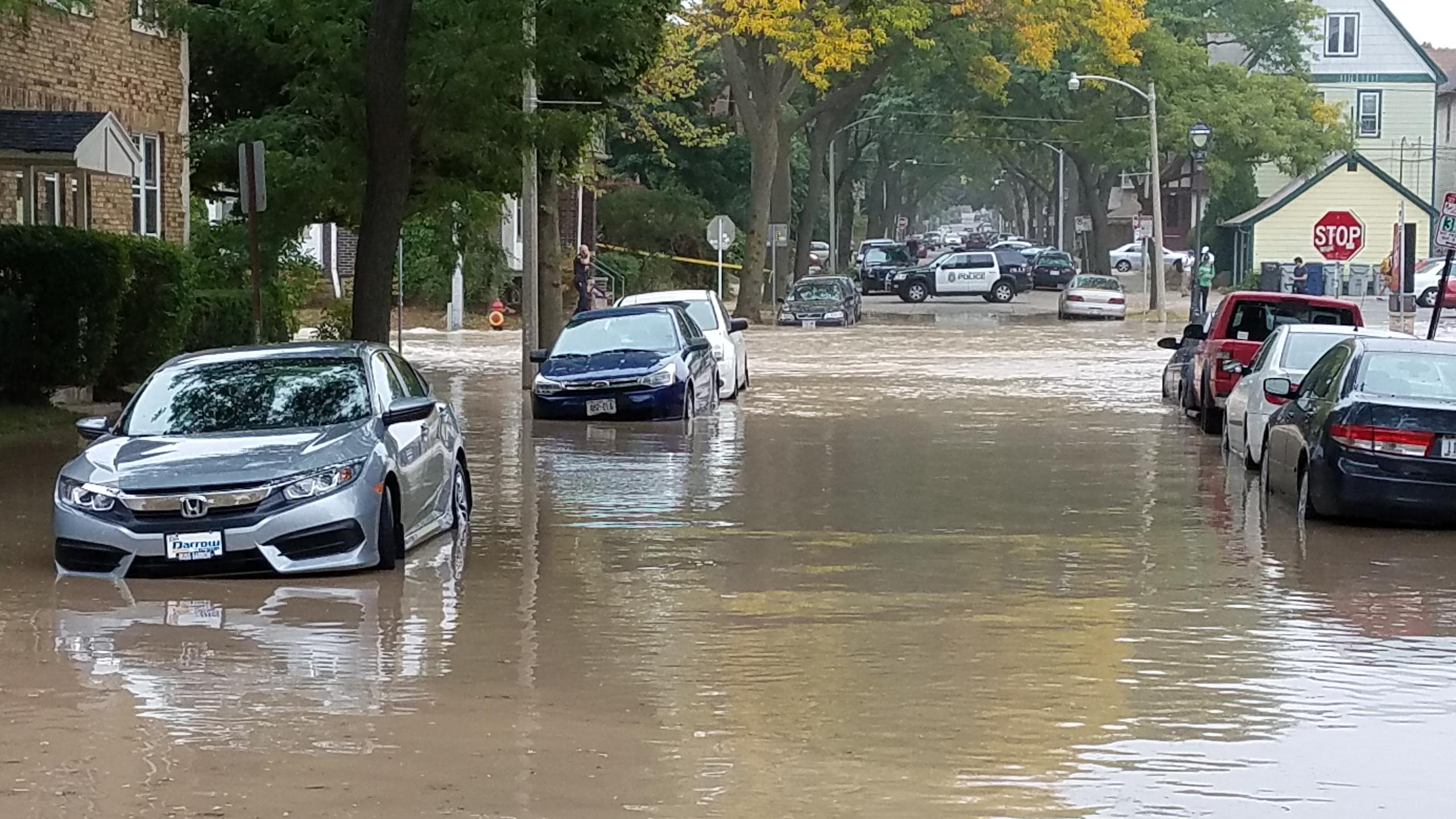 Water main rupture puts neighborhood under water