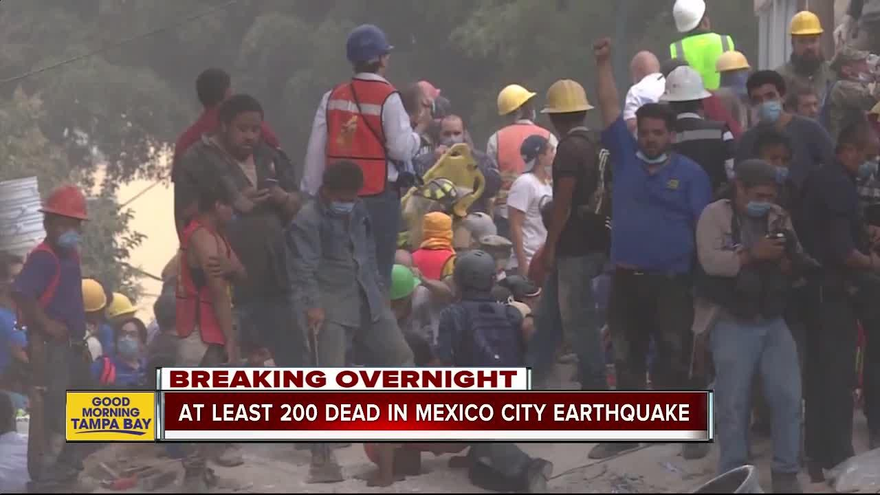 Mexicans dig through collapsed buildings as powerful magnitude 7.1 earthquake killing over 200