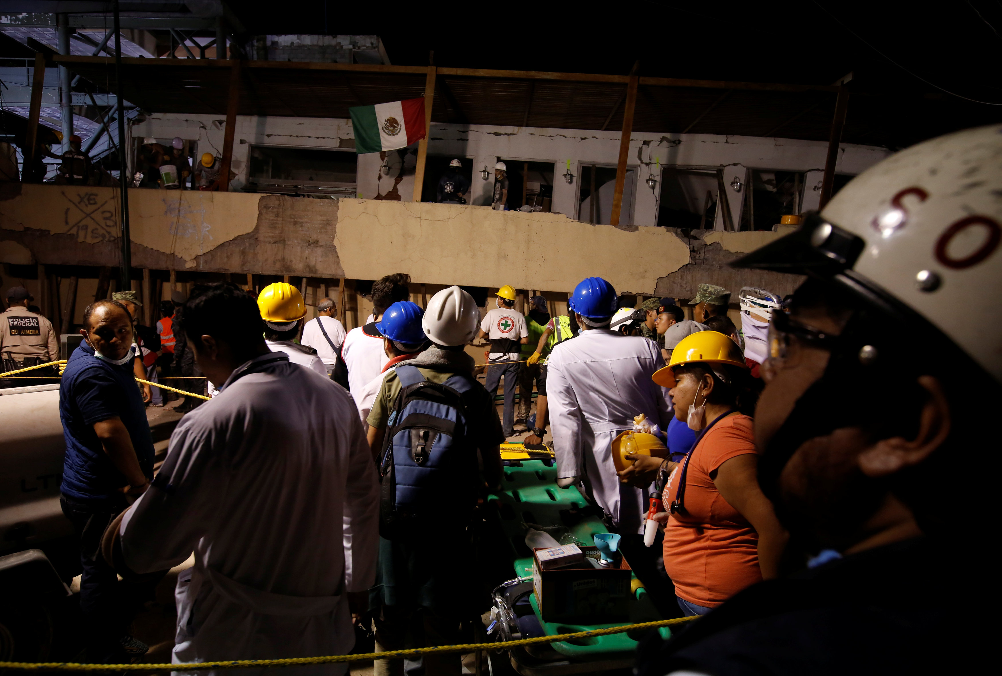 Mexico earthquake kills at least 32 children after school collapses