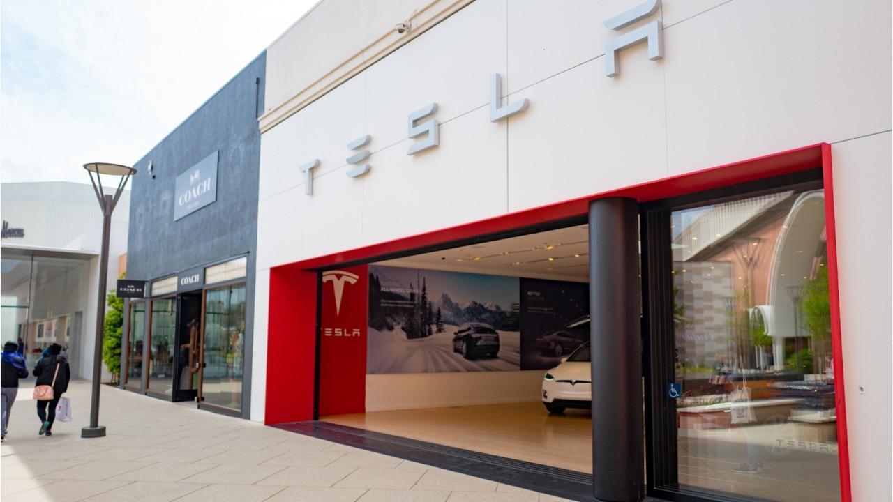 Ex-Tesla Worker: Company Cheated Me Out of Stock