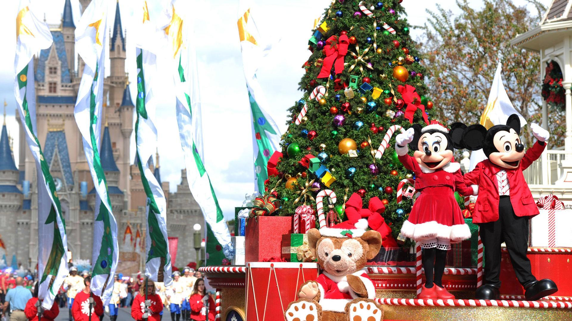 Enjoy a Very Walt Disney Christmas With This New Holiday Package