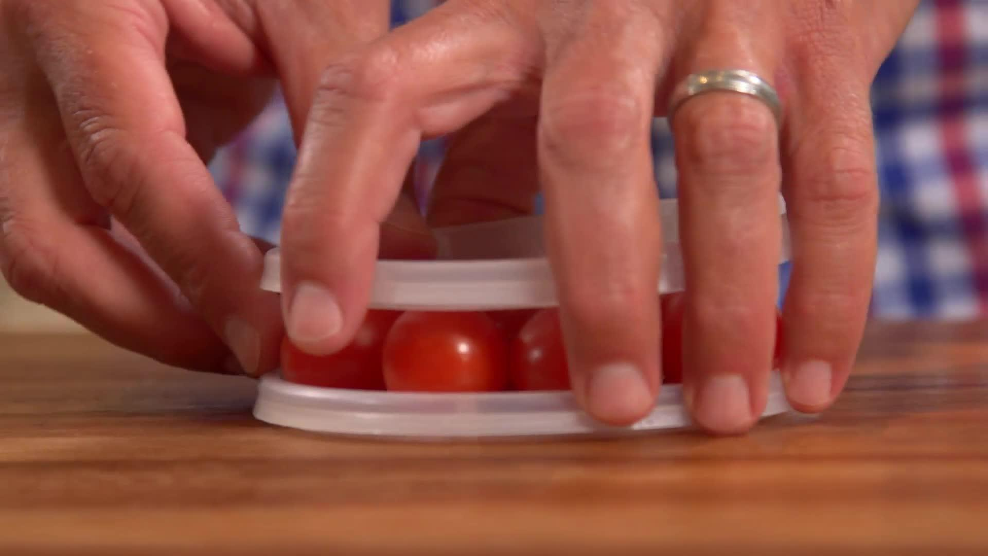 How to Cut Cherry Tomatoes Easily thumbnail
