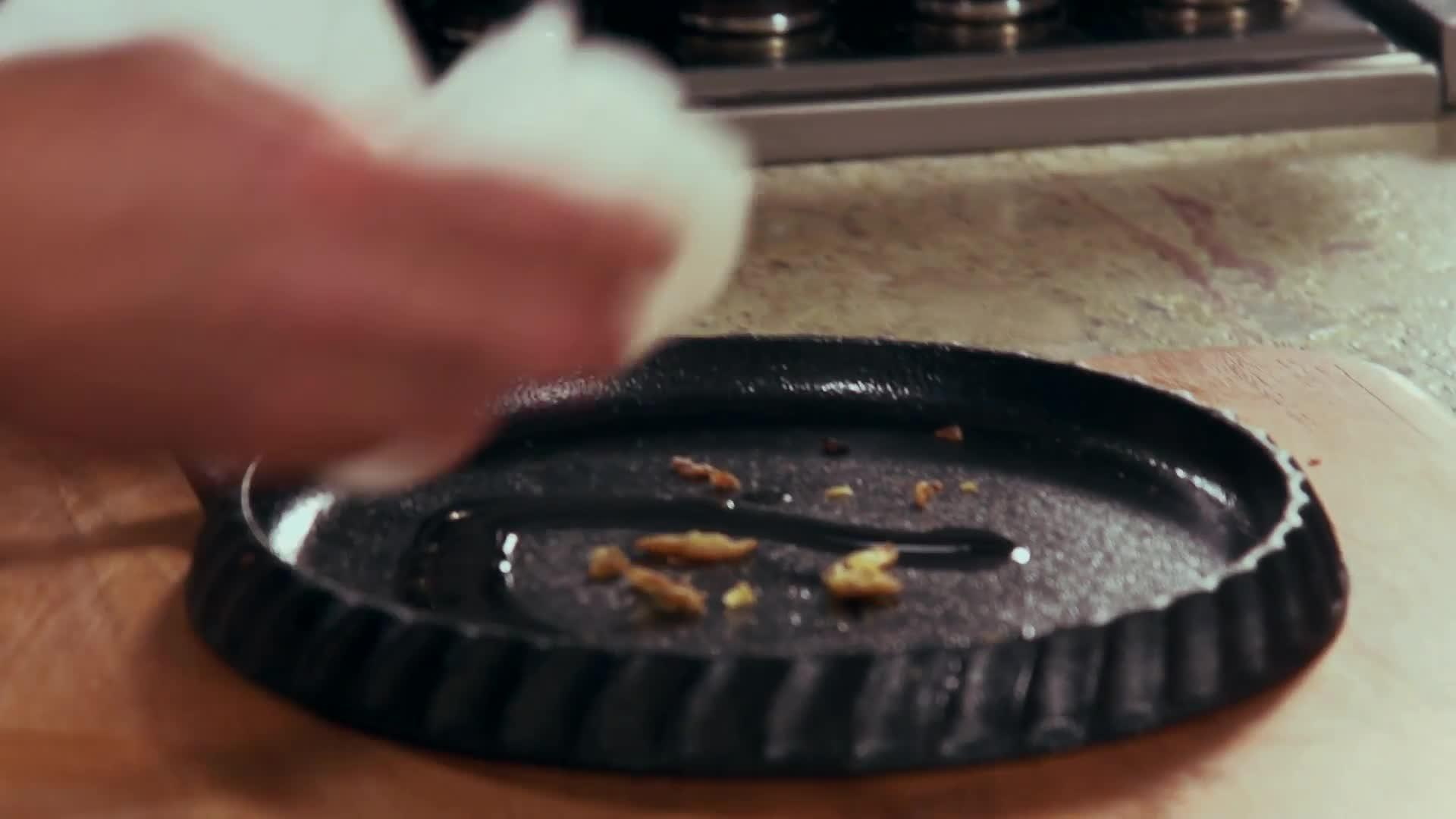 How to Clean your Cast Iron thumbnail