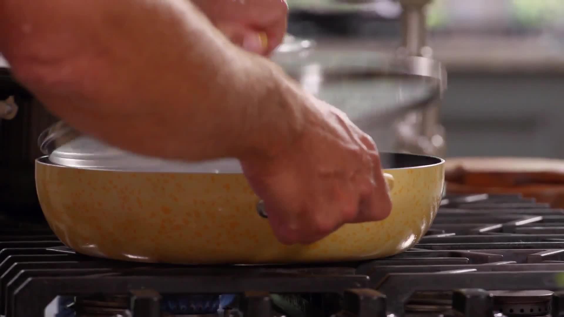 Simple Bursted Tomato and Basil Wagon Wheel Pasta thumbnail