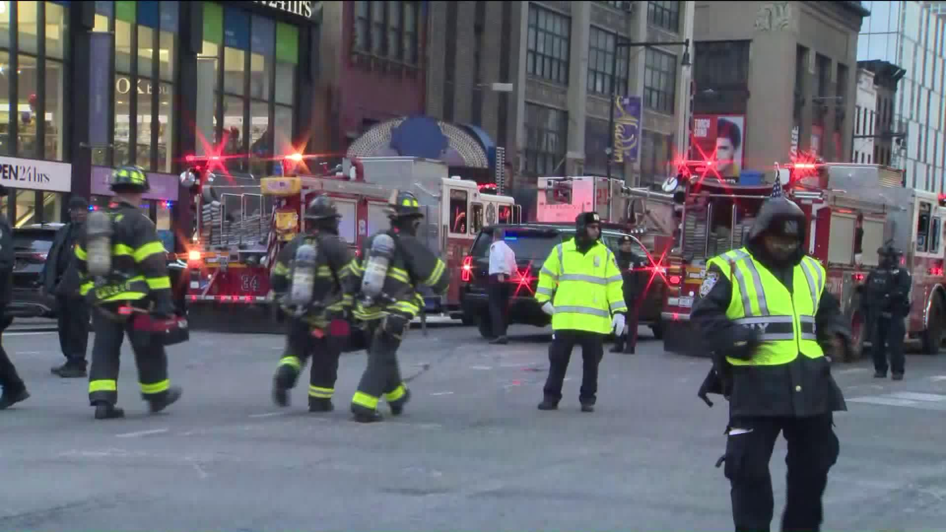 NYPD Responds to Explosion in Manhattan