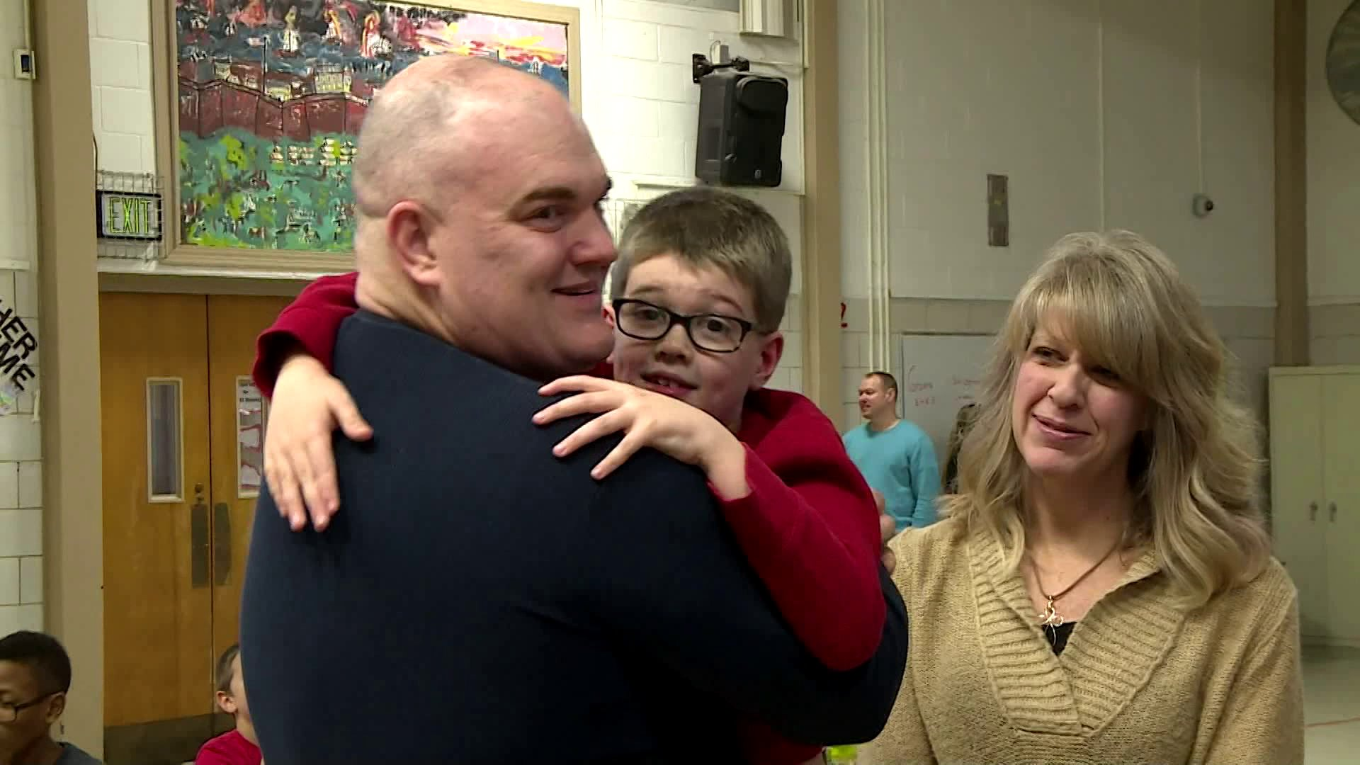 Military Dad Surprises Son During Lunch After Year-Long Deployment