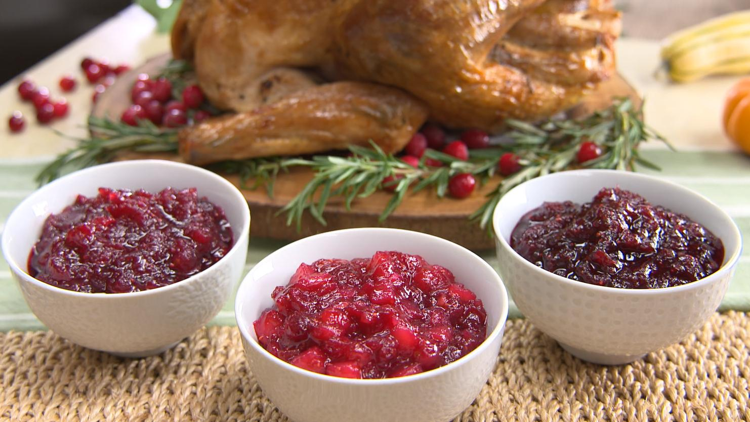Best Bites: Traditional Thanksgiving cranberry sauce 3 ways