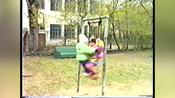 Siblings playing on swing fail!