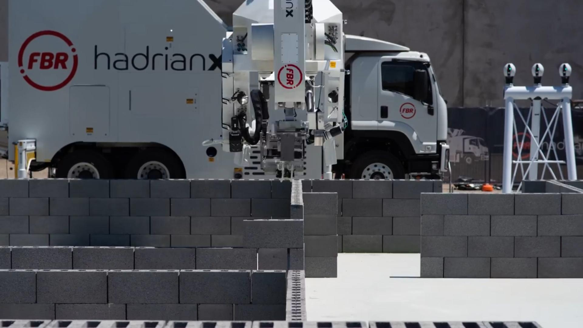 This robot can build a house in 3 days