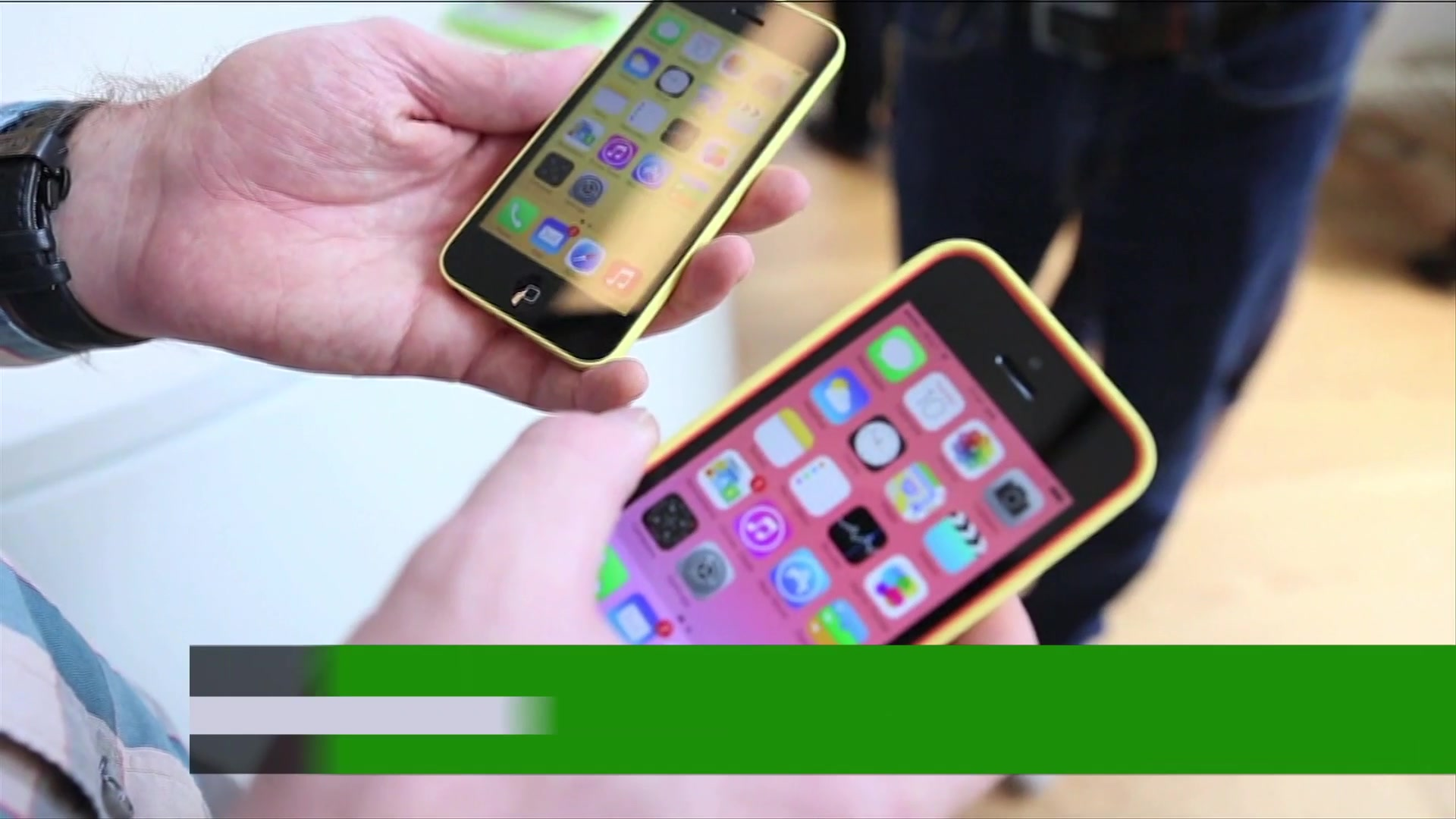 First Look: New Apple iPhone 5S & 5C