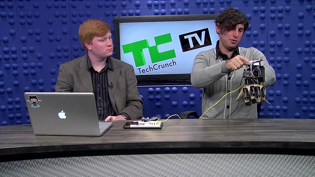 Y Combinator Hardware Hackathon Winner: Virtual Reality Glove