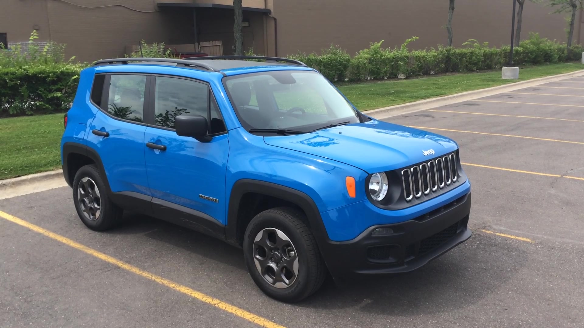 2019 Jeep Renegade gets facelift, new dash, bigger screen ...