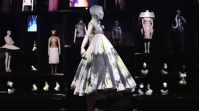Shaun Leane Reflects on Alexander McQueen Collaboration