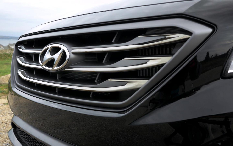 Hyundai Recalls 2017 And 2016 Sonatas For Flying Sunroof Panels Autoblog