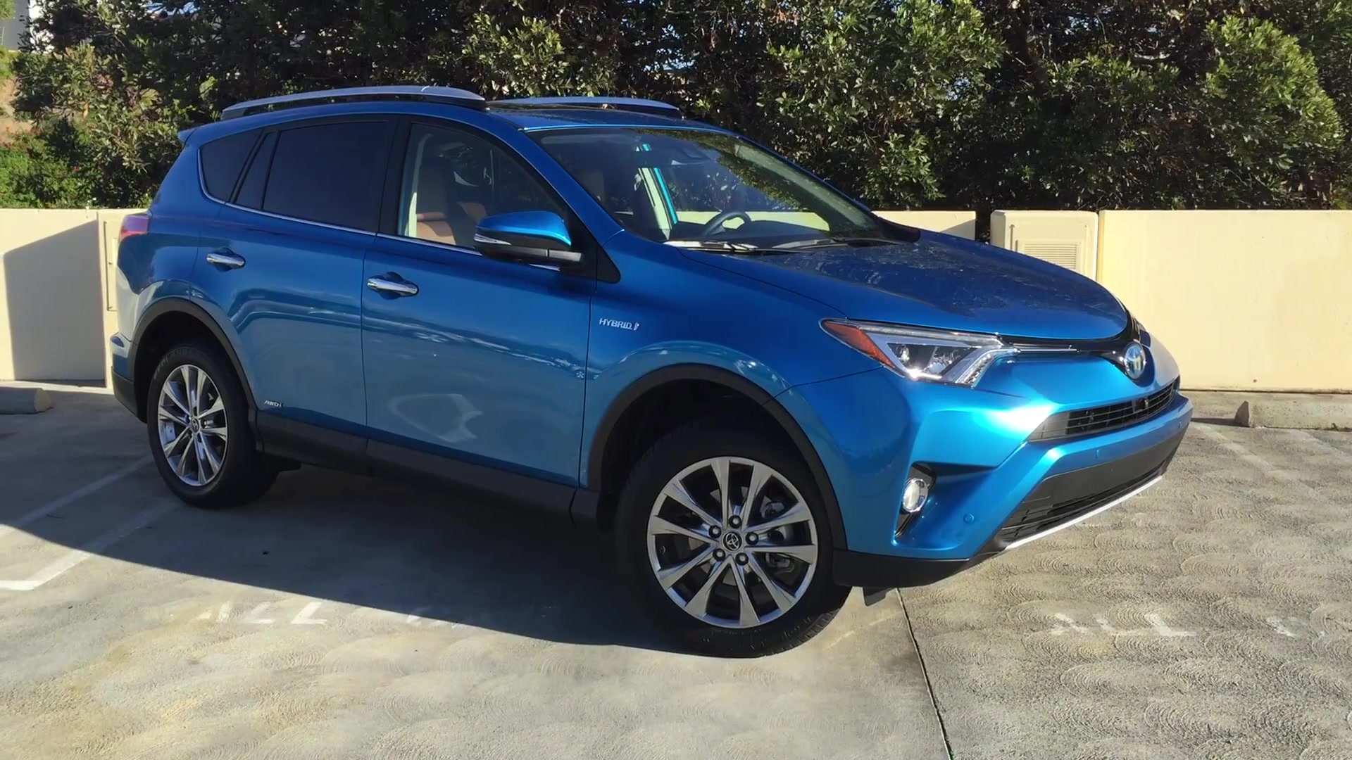 2018 Subaru Crosstrek Vs Mazda Cx 3 >> Toyota RAV4 spy photos show rugged new styling - Autoblog