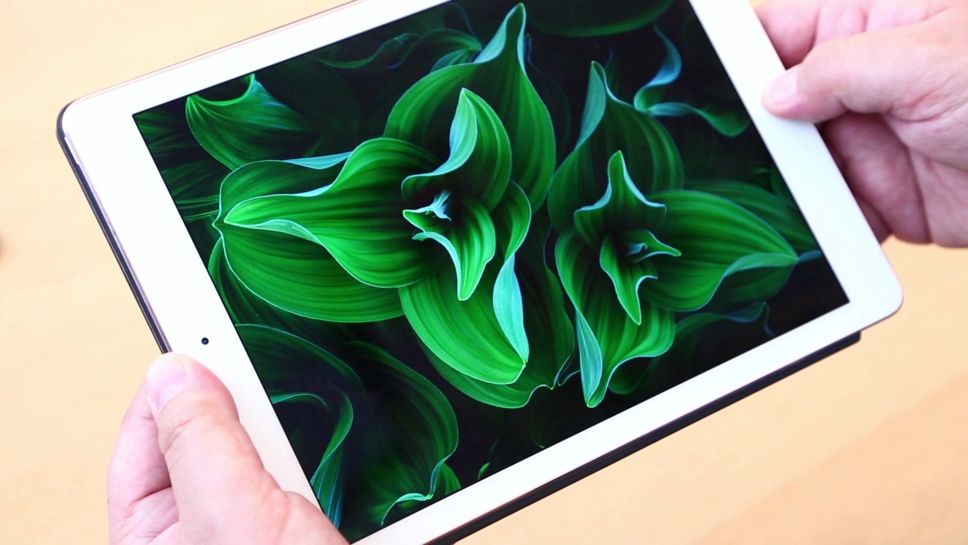 New Smaller iPad Pro First Look